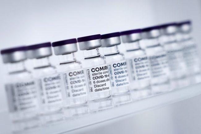 La vacuna de Biontech/Pfizer contra la Covid-19 es la autorizada para menores de edad entre 12 y 15 años en EE.UU. (EFE)