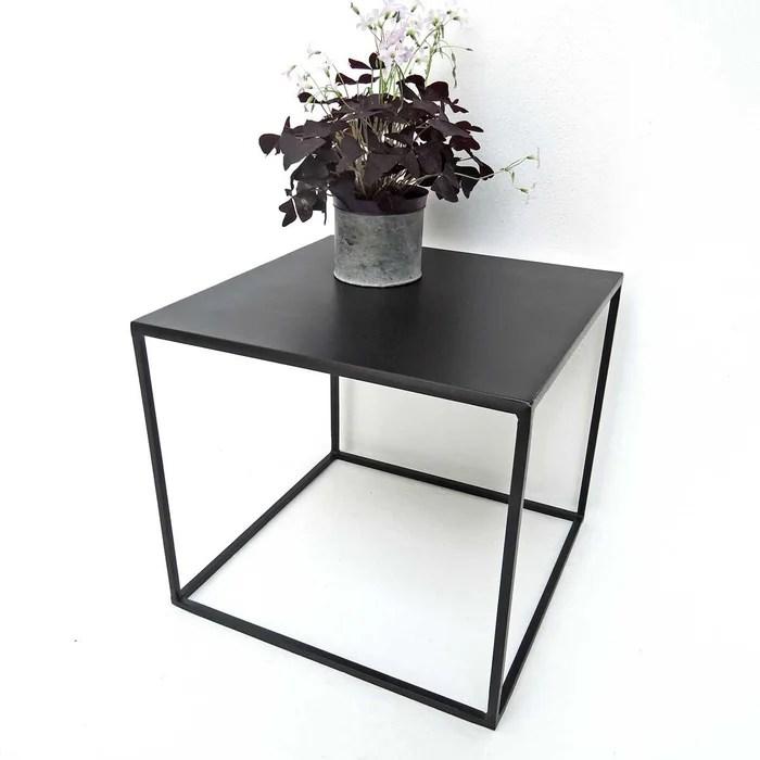 table basse carree en metal