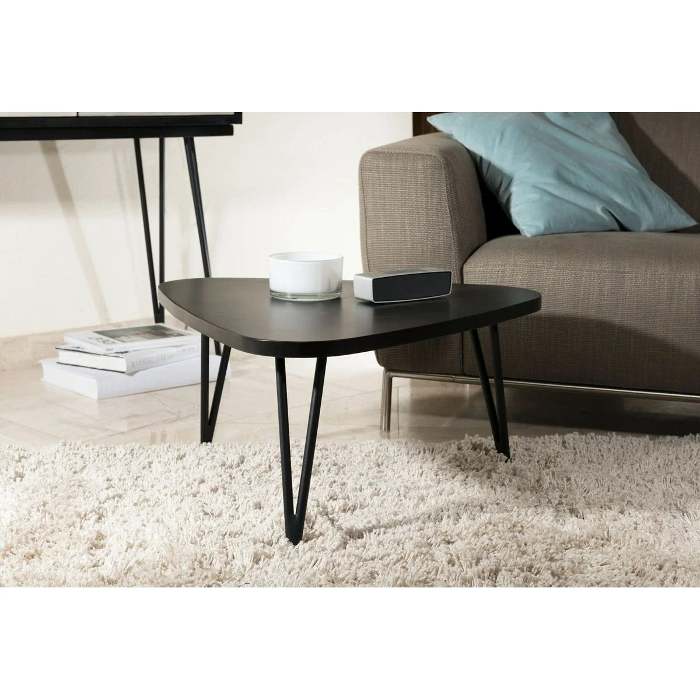 table basse triangulaire noire bois massif style scandinave contemporain cadix