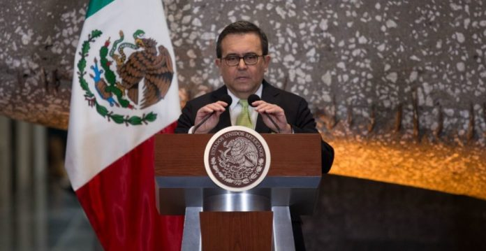 Vinculan a proceso a Ildefonso Guajardo, exsecretario de Economía, por  enriquecimiento ilícito