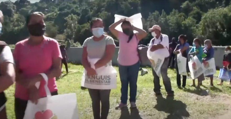 """Anuncia AMLO el """"tianguis del bienestar"""" para regalar en poblaciones pobres los bienes decomisados al crimen"""