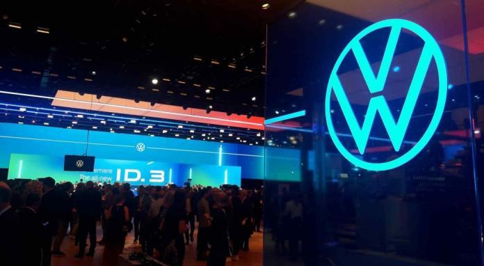 IMAGEN. Volkswagen también dio a conocer oficialmente su nuevo logo. (LA VOZ)