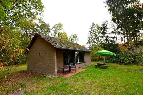 Ferienwohnungen/Ferienhäuser: Abgeschieden Bungalow an ruhiger Lage in einem kleinen Ferienpark in Nord-Limburg (max. 4 Personen)