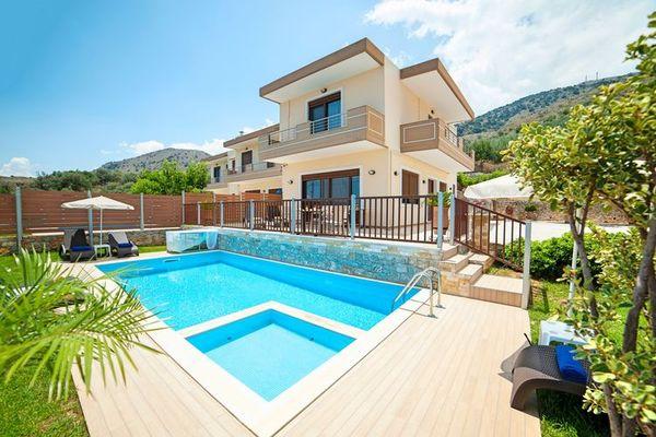 Ferienwohnungen/Ferienhäuser: 3 Villen nebeneinander mit Pool und Meerblick, einzeln oder miteinander buchen (max. 10 Personen)