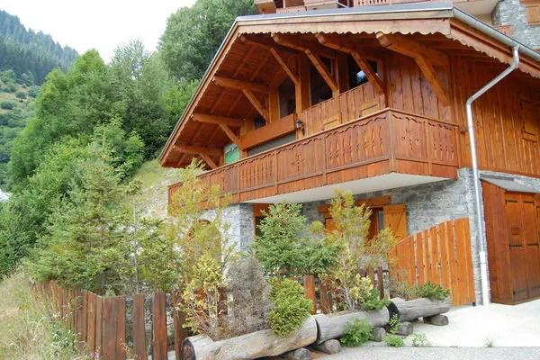 Ferienwohnungen/Ferienhäuser: 10-pers. Wohnung mit Sauna nur 100 meter von Zentrum (max. 10 Personen)