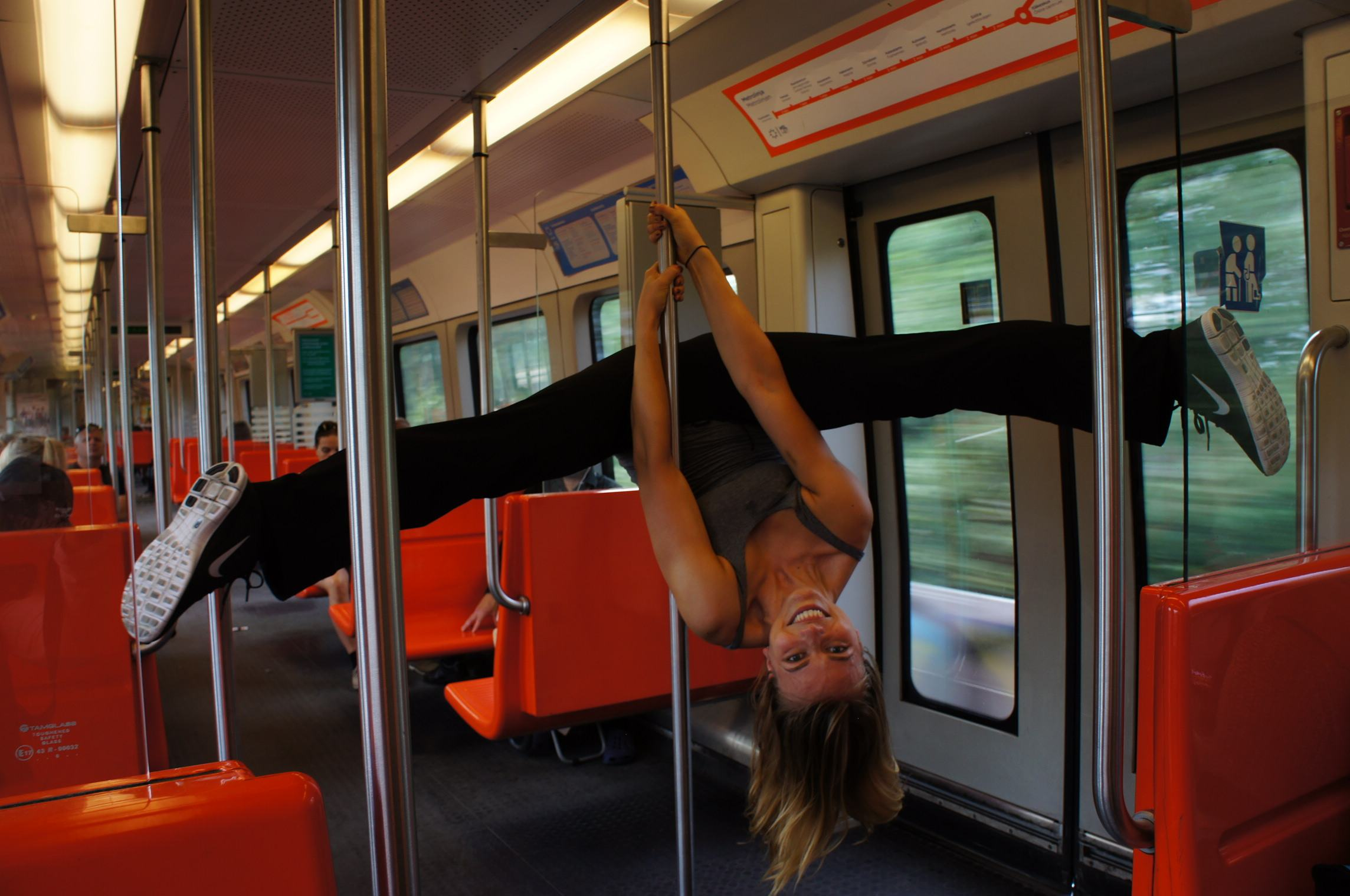10 Unexpected Health Benefits of Pole Dancing