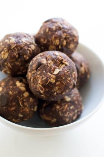 chocolate-peanut-butter-energy-bites
