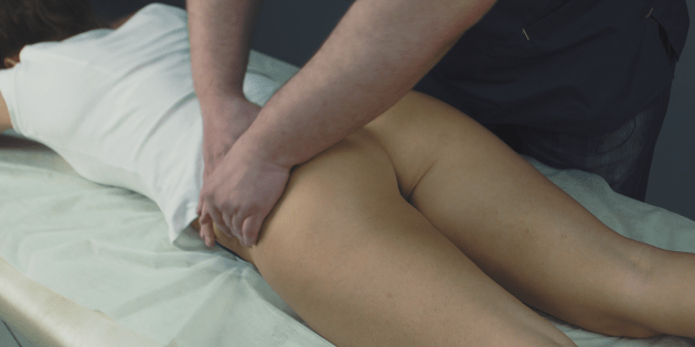 Come rendere i glutei di massaggio anti-cellulite