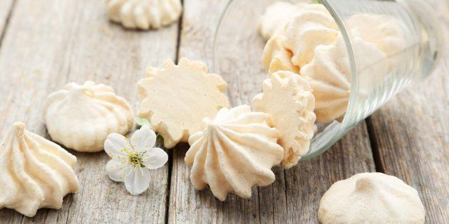 पासटे से 5 गैर-स्पष्ट जीवनकाल, जो सही meringue (meringue) तैयार करने में मदद मिलेगी