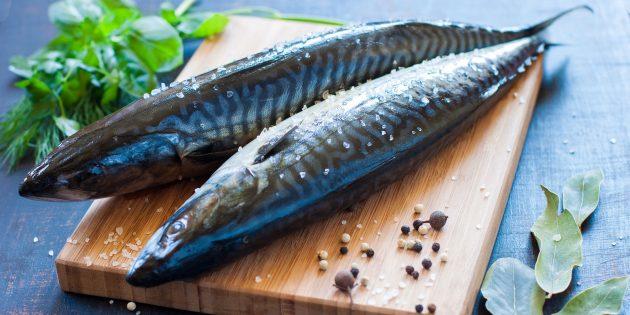 غذاهای داغ از Mackerel - ساده ترین دستور العمل های ماهی خوشمزه خانگی