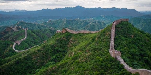 Территория Азии не зря привлекает туристов: Великая Китайская стена, Китай