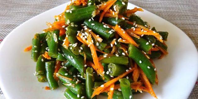 Recetas: Frijoles de trazo con zanahorias en coreano.