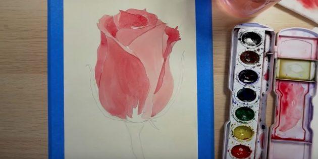 Добавьте тень слева вверху. Окрасьте верхушку розы и крайний левый лепесток