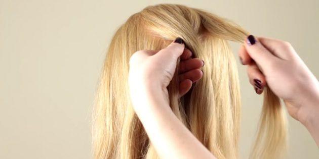 جدا از بالا در وسط رشته های مو و تقسیم آن به سه قسمت مساوی. چپ را به مرکزی بگذارید