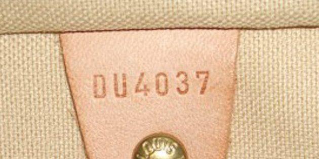 Түпнұсқа және жалған Louis Vuitton сөмкелері: сериялық нөмірдің ішінде нокаутпен соғу керек.