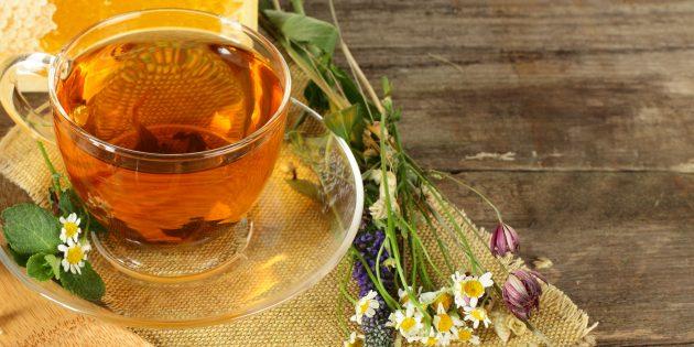 Как бороться с бессонницей: поможет ромашковый чай
