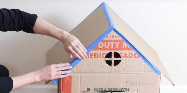 Casa de gato com suas próprias mãos: pau o telhado
