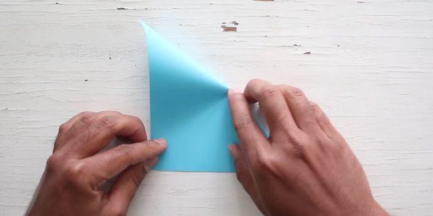 Kendi ellerinizle zarf: Kağıdı diğer tarafa bükün