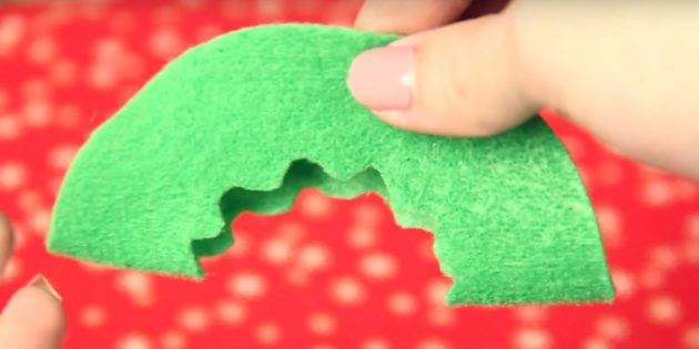 Christmas toys do it yourself: Make a pattern on one detail