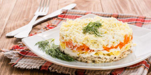 """Salad klasik """"Mimosa"""" dengan kentang dan wortel: Resipi salad terbaik"""
