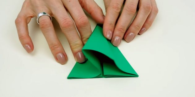 do it yourself with your own hands: bent paper