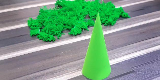 Рождестволық ағашты қалай жасауға болады: конустық және басқа да мәліметтерді дайындаңыз