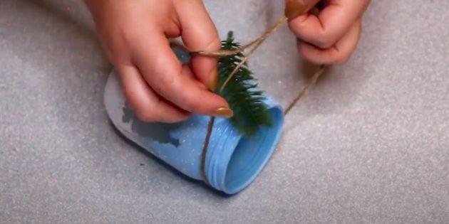 Kendi ellerinizle bir şamdan nasıl yapılır: Bir yay bağlayın