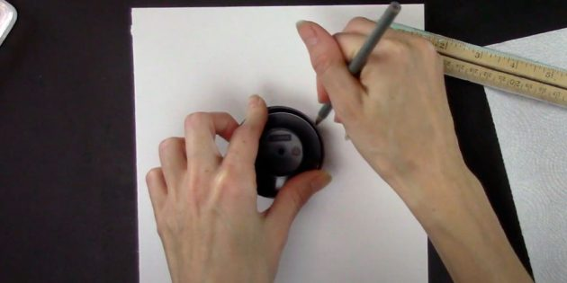 Como desenhar floco de neve: circule a tampa