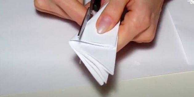 Como desenhar floco de neve: corte o floco de neve