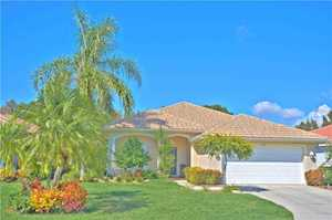 Venice Golf Course Properties   Venice Real Estate 439 Pinewood Lake Drive Venice  FL 34285