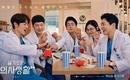 チョ・ジョンソク&ユ・ヨンソクら出演、ドラマ「賢い医師生活2」和気あいあいとしたポスターを公開