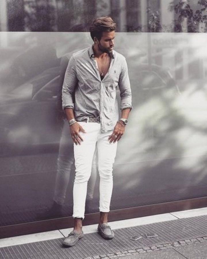 Jeans strappati bianchi una novità summer 2020