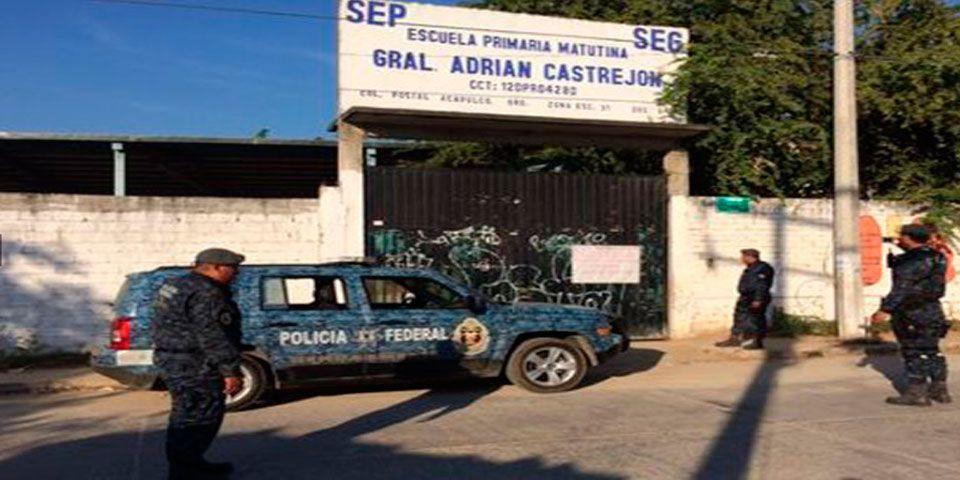 Escuela custodiada en Acapulco
