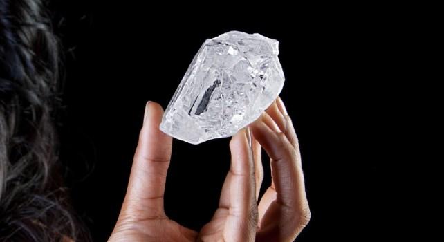 Lesedi la Rona : Le plus gros diamant au monde mis aux enchères à Londres