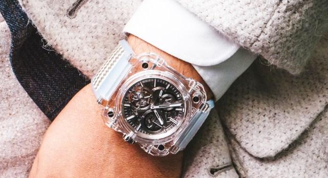 Bell & Ross BR-XI Chronograph Tourbillon Sapphire : Une montre transparente au mécanisme incroyable
