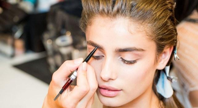 Quand les cosmétiques de luxe font les yeux doux aux millennials