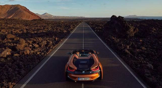 BMW i8 Roadster : Une hybride au look futuriste