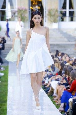 Jacquemus-ss19-luxe.net-12
