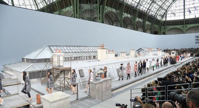 Chanel Printemps-Été 2020 : Il était une fois sur les toits de Paris