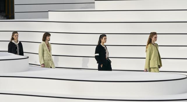 Défilé Chanel Automne Hiver 2021 : La sobriété au service de Chanel