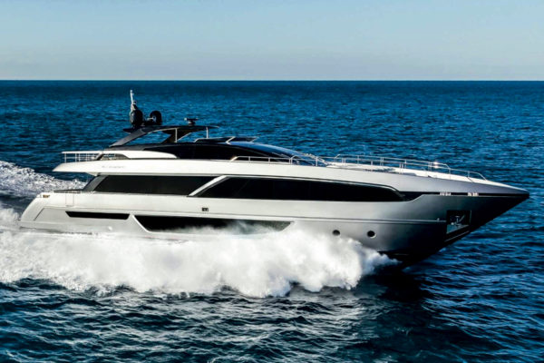 Riva 100 Corsaro's world premiere was held at Aberdeen Marina Club in Hong Kong in 2017