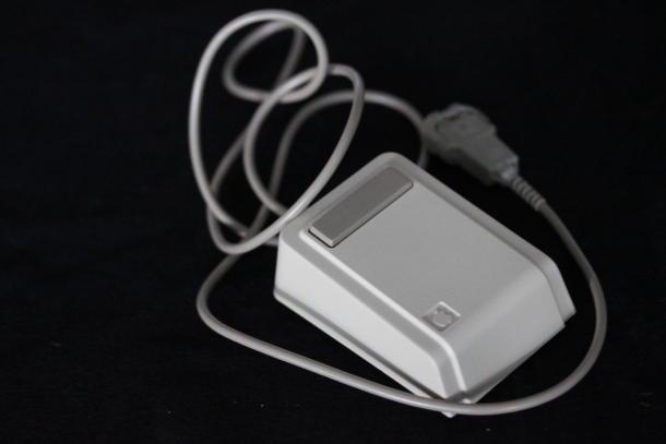 The_Steve-Jobs-Lisa-mouse
