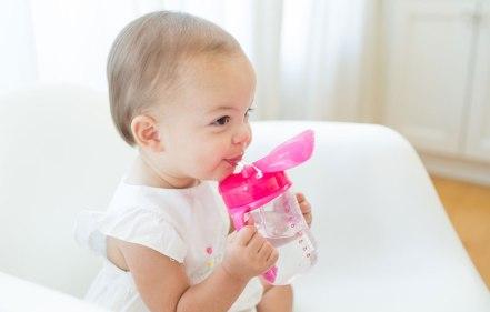 8 Tip Galakkan Anak Minum Air Masak Lebih Banyak Dan Kurang Minum Air Manis - Pa&Ma