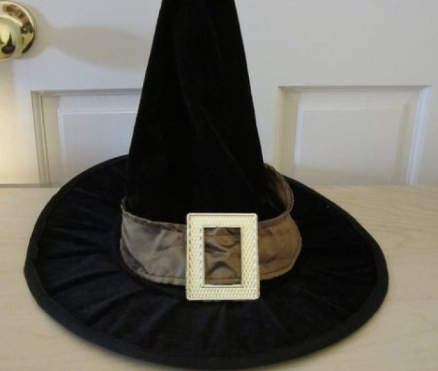 Stuff A Hat With Bubble Wrap Or Newspaper To Maintain Its Shape While In Storage Halloween Witch Hat