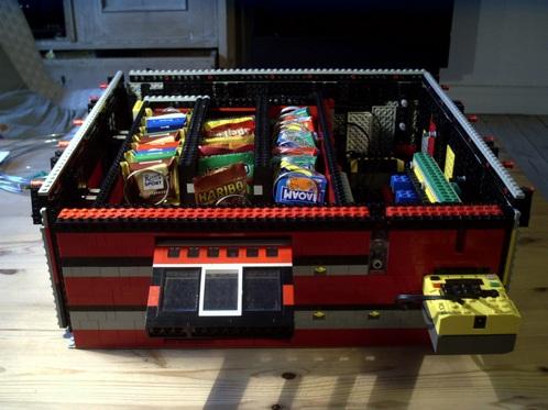 Lego Vending Machine Dispenses Sitapati