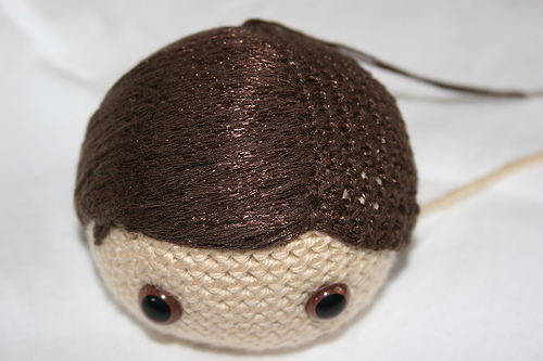 Tutorial - Adding Hair to an Amigurumi Doll | Stitches n Scraps | 333x500