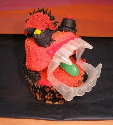 jaws_the_cupcake_monster-736408.jpg