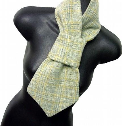 amoneckscarf.jpg