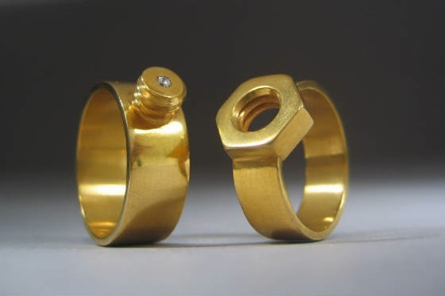 Weddingbands.Jpg.W560H373-1