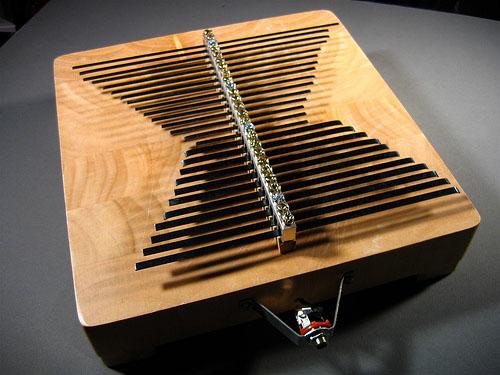 Groundbar Lamellophone